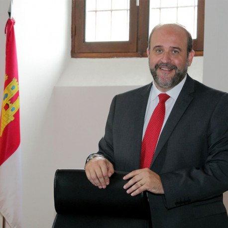Sr. D. José Luis Martinez Guijarro